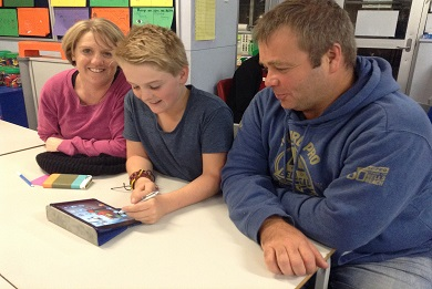 Students showed parents the apps they have been using.